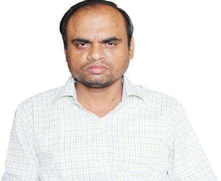 Dr. Rajat Saxena